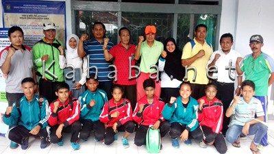 10 Siswa yang ikut O2SN Tingkat Nasional didampingi pelatih. Foto: Eric