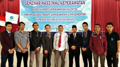Foto bersama Komunitas Lentera Muda Bima usai Seminar Nasional Keperawatan. Foto: Bin