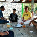 H. Sutarman Kunjungi Warga Kampung Sigi Korban Pelemparan