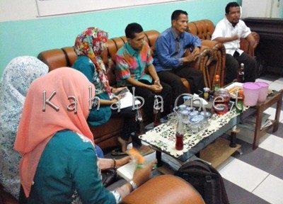 Jajaran LPA didampingi Kepala KCD Raba saat audiens soal surat pernyataan tersebut. Foto: Ady