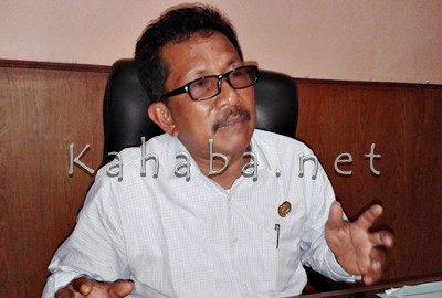 Kepala Badan Kesbangpolinmas Kabupaten Bima, Ishaka. Foto: Noval