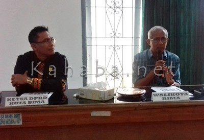 Ketua DPRD Kota Bima dan Sekda Kota Bima. Foto: Eric