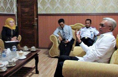 Komisi Informasi (KI) NTB saat tatap muka dengan Wakil Bupati Bima. Foto: Hum