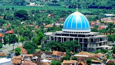 Kondisi Masjid Al Muwahiddin Bima. Foto: ngguwumbojo.blogspot.com