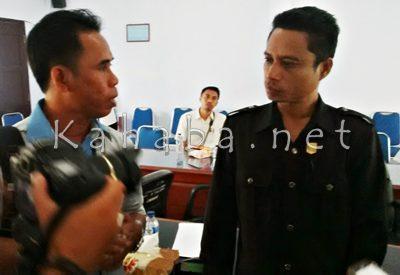Syahbudin saat diwawancarai wartawan. Foto: Bin