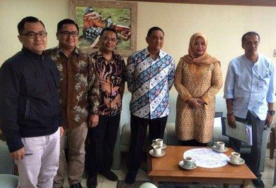 Pertemuan Bupati Bima Hj. Indah Dhamayanti Putri dengan Direktur Alokasi Pendanaan pembangunan Erwin Dimas dan pejabat terkait. Foto: Hum