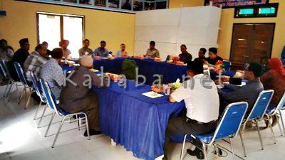 Pertemuan di Kantor FKUB bahas Gereja di Rabangodu Selatan. Foto: Ady