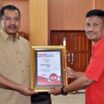 Telkom Serahkan Piagam Smart City Nusantara untuk Pemkot Bima