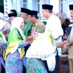 Walikota Bima Lepas Calon Jamaah Haji 2016