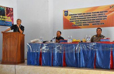 Wawali Bima menyampaikan sambutan saat Bimtek Penerima Bantuan KUBe. Foto: Hum