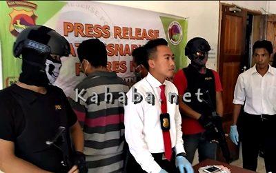 Bandar dan Kurir narkoba yang ditangkap. Foto: Deno