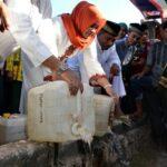 Bupati Bima dan Polsek Sape Musnahkan 67 Jerigen Miras