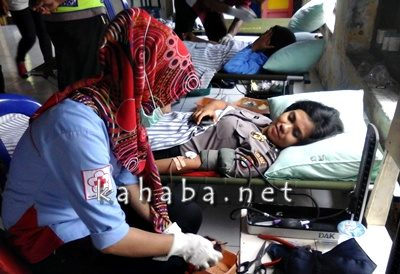 Donor darah yang digelar Sat Lantas Polres Bima Kota. Foto: Deno