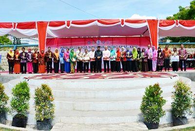 Foto bersama saat Puncak Peringatan Harganas XXIII di Kota Bima. Foto: Hum