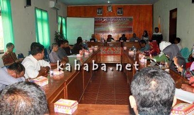 Jajaran STISIP dan UNDIP Semarang saat memahas Persiapan MIA. Foto: Deno