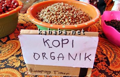 Kopi Organik Tambora, salah satu hasil perkebunan unggulan yang dipamerkan di Oi Bura. Foto: Ady