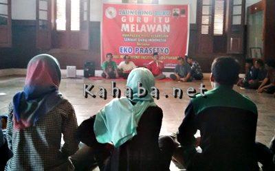 Launching Buku Guru Itu Melawan. Foto: Ady