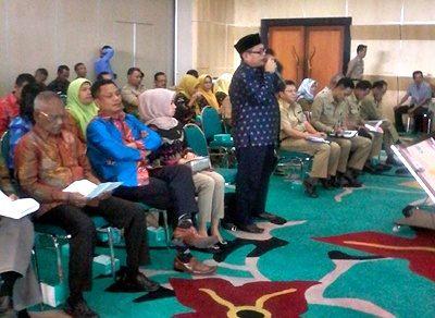 M. Nor saat menyampaikan sejumlah pertanyaan saat studi banding di Kota Tangerang Selatan. Foto: Istimewa