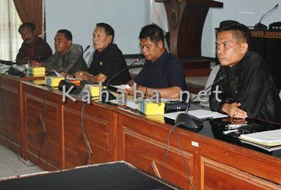 Pertemuan tim investigasi sengketa agraria Desa Oi Katupa Tambora. Foto: Bin