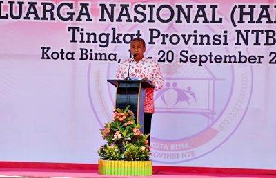 Wakil Walikota saat menyampaikan sambutan pada Puncak Peringatan Harganas XXIII di Kota Bima. Foto: Hum