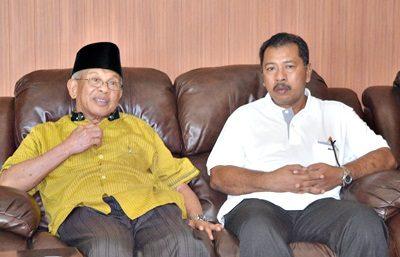 A.M. Fatwa dan Walikota Bima. Foto: Hum