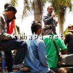 Demonstran Desak Bupati Copot Dirut RSUD Bima