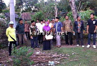 Anggota DPRD Kota Bima Dapil I meninjau lingkungan di Jatibaru saat agenda reses. Foto: Bin