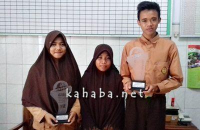 Arif Andi Maulana bersama Lisa Aulia dan Fitratul Aqidah. Foto: Eric
