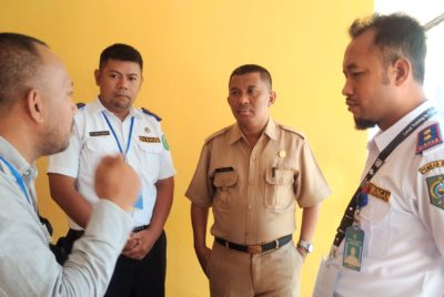 Tim Penilai PPID saat melakukan visitasi dan verifikasi di SKPD. Foto: Dishubkominfo Kabupaten Bima
