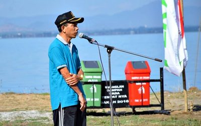 Kepala BLH Kota Bima H. Syamsuddin saat menyampaikan sambutan. Foto: Hum