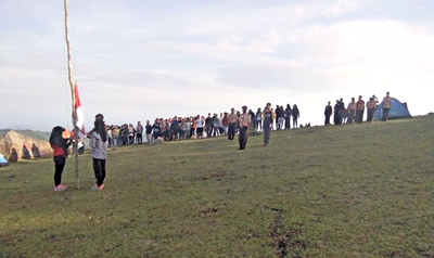 Komunitas Pramuka Peduli Peringati Sumpah Pemuda di Gunung Punce. Foto: Dok. Komunitas Pramuka Peduli