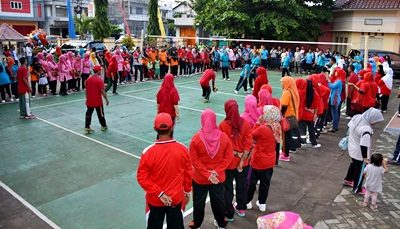 Lomba Voli yang digelar UPT Dikpora Kecamatan Rasanae Barat. Foto: Hum
