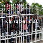 Massa Aksi Lempar Kantor DPRD