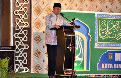 Wakil Walikota Bima saat menyampaikan sambutan penutupan MTQ ke-XI tingkat Kota Bima. Foto: Hum