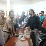 Warga Dara Duduki Kantor DPRD Kota Bima