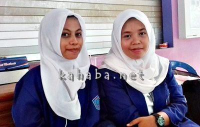Arni Yunita dan Susan Yuniarti Mahasiswi STIE Bima saat mengikuti Kuliah Umum Bank Indonesia. Foto: Eric