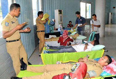 Donor Darah saat acara peringatan Hari Ibu. Foto: Hum