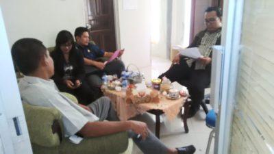 Sejumlah Anggota DPRD Kota Bima saat menunggu rapat dimulai. Foto: Bin