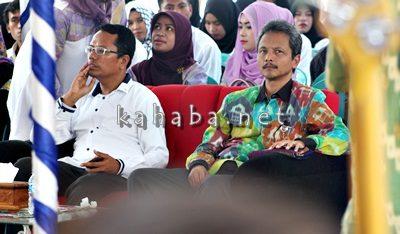 Ketua STIE Bima (Kanan) dan Jajaran Bank Indonesia. Foto: Bin