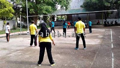 Lomba Bola Voli antar Bidang di Dinas PU. Foto: Bin