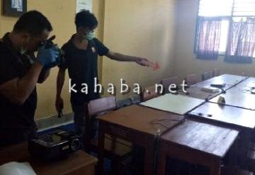 Olah TKP Pencurian Laptop di SMKN 3 Kota Bima. Foto: Ompu