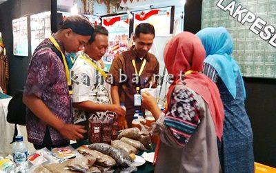 Pameran sejumlah produk lokal Bima di Jakarta oleh Lakpesdam NU. Foto: Ady