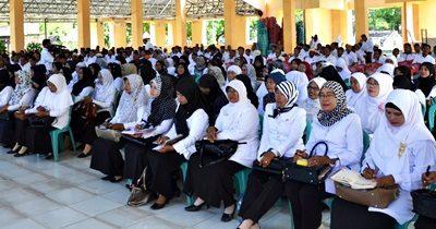 Para guru saat menjadi peserta pertemuan peningkatan kapasitas aparatur. Foto: Hum