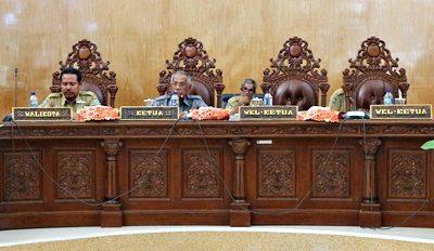Paripurna jawaban Pemkot Bima terhadap pemandangan umum Fraksi DPRD Kota Bima. Foto: Hum