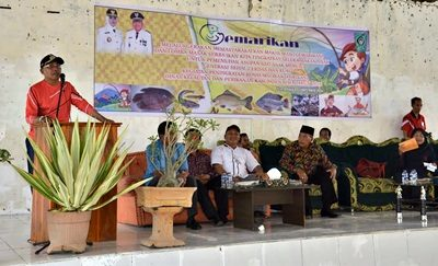 Wakil Bupati Bima H. Dahlan M. Noer saat menyampaikan sambutan pada acara Gemar Makan Ikan. Foto: Hum