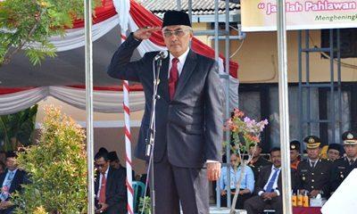Wakil Bupati Bima menjadi Inspektur Upacara Hari Pahlawan. Foto: Hum