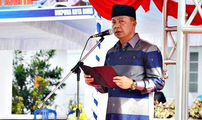 Wakil Walikota Bima saat menyampaikan sambutan pada Upacara Hari Guru. Foto: Hum