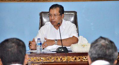 Walikota Bima HM. Qurais H. Abidin saat memberikan arahan soal Kota Bima bebas pungli. Foto: Hum