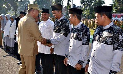 Wawali Bima memberi ucapan selamat kepada rombongan Kafilah STQ Tingkat Provinsi. Foto: Hum