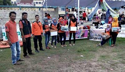 FTSB saat galang dana Korban Gempa Aceh. Foto: Dok. FTSB Kota Bima